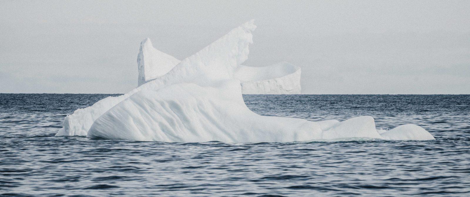 Unter den Eisberg tauchen